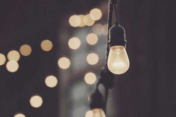 light-bulb-1209491_1920 (1)